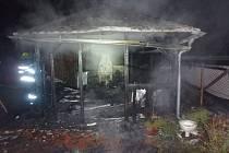 V Maršově v Úpice došlo k požáru pergoly u rodinného domu.