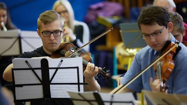 Z přípravy 1. trutnovského symfonického orchestru.