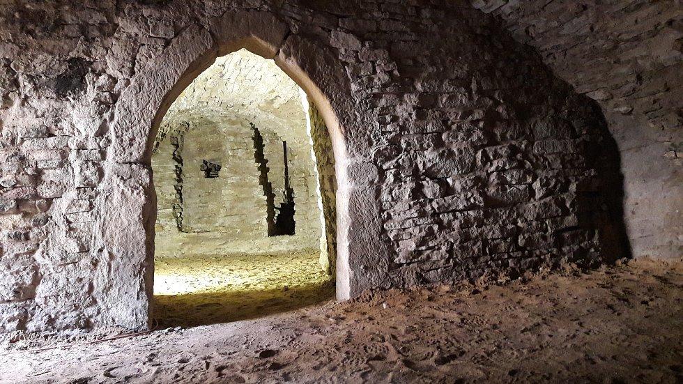 Součástí rekonstrukce byla oprava hradního sklepení.