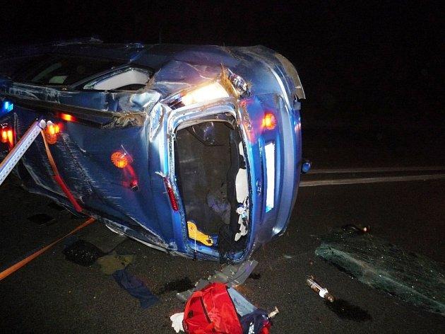 U Turnova zemřel v autě řidič