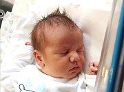 MATYÁŠ LABUDA se narodil 14. ledna ve 23.37 hodin rodičům Michaele a Petrovi. Vážil 3,42 kg a měřil 50 cm. Spolu se sestřičkami Sabinou a Nikolou bydlí v Novém Městě nad Metují.