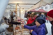 Vánoční trhy na Krakonošově náměstí v Trutnově.