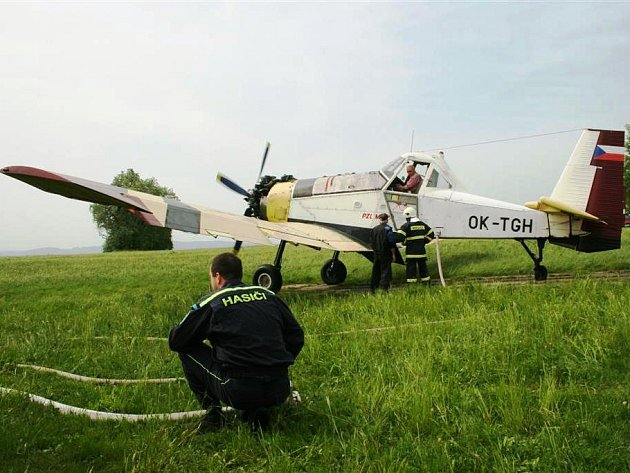 Hasiči cvičili společně s letectvem