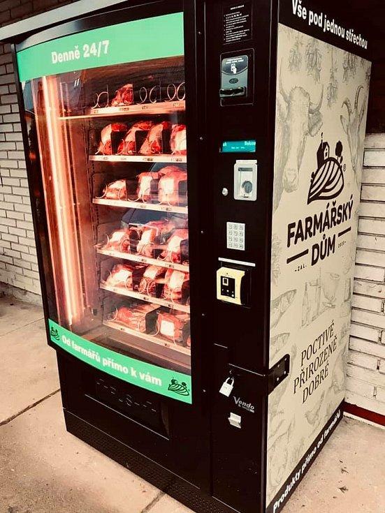Farma Basařovi v Prosečném přišla s originální novinkou: automatem na maso.