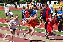 START ŽÁKYŇ třetích ročníků v běhu na 50 metrů.