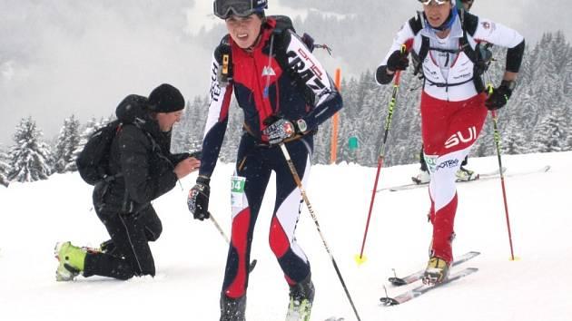DOMINIK SÁDLO (v popředí) patří již dlouho ke světové špičce mezi juniory. V příští sezoně by mohl přijít výsledkový vrchol.