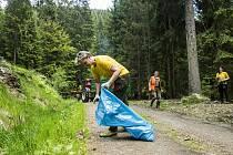 Při akci Čisté Krkonoše našli sběrači 3,8 tun odpadu.