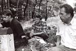 NA SETKÁNÍCH DISIDENTŮ, která probíhala v Krkonoších, nechyběl ani pozdější prezident Václav Havel.