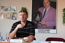 Na tiskové konferenci zástupci AC Syner Turnov potvrdili, že se 26. května bude v Turnově konat 11. ročník atletického Memoriálu Ludvíka Daňka. Na snímku je Imrich Bugár.