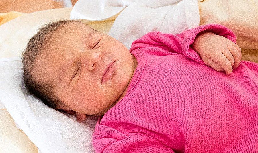 EMA ZVIROTSKÁ se narodila 2. října v 19.20 hodin Pavlíně Matysové a Marku Zvirotskému. Vážila 3,65 kilogramu a měřila 50 centimetrů. Rodina bude mít domov v Lánově.
