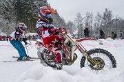 Závod mistrovství ČR v motoskijöringu v Rudníku.