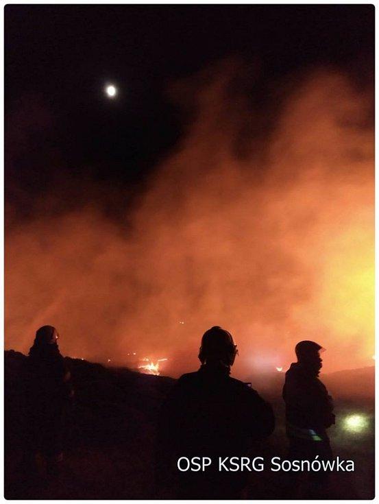 Požár louky nedaleko Labské boudy.