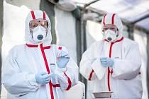 Nemocnice v Trutnově začala v pondělí odebírat a zpracovávat vzorky na koronavirus.