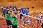 Volejbalisté Dvora Králové nad Labem zcela opanovali druholigové derby na palubovce Hronova.