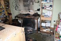 Požár v prodejně papírnictví napáchal škodu za skoro půl milionu korun.