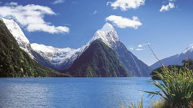 Spisovatel Rudyard Kipling nazval Mitre Peak osmým divem světa.