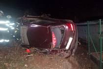 Havárie osobního automobilu v Mladých Bukách.