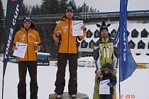 Na stupních vítězů v sobotu stáli (zleva): druhý Hubert Bláha (LSK Lomnice), vítěz Pavel Farkaš (Dukla) a Rudolf Jeřábek (Ještěd).