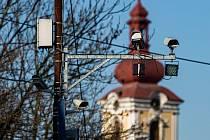 Radary jen na Královédvorsku loni vynesly 17,7 milionu korun. Řidiči tady spáchali v roce 2020 celkem 30 700 přestupků.