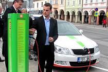 Ve Vrchlabí byly instalovány dvě dobíjecí stanice pro elektromobily.