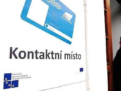V TRUTNOVĚ lze o Iredo kartu žádat v budově hlavního nádraží, vchod je z venkovní strany objektu.