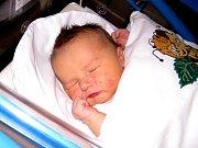 PÉŤA GULDÁN se narodil 21. února v 9.21 hodin rodičům Petře a Stanislavovi. Vážil 4,39 kg a měřil 55 cm. Spolu se sestřičkou Adélkou bydlí v Trutnově.