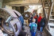 Fabrika Temný Důl otevřela dveře lidem při exkurzi a ukázala, jakým způsobem během roku pokročily práce na její záchraně.