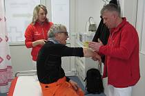 Lékařské ošetření nadosah mají lyžaři a snowboardisté přímo pod sjezdovkou ve Svatém Petru ve Špindlerově Mlýně.