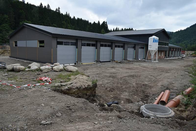 Největší letošní investicí Špindlerova Mlýna je výstavba areálu Služeb města za 82 milionů korun bez DPH.