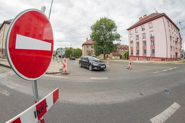 Oprava silnice vPražské ulici vTrutnově.
