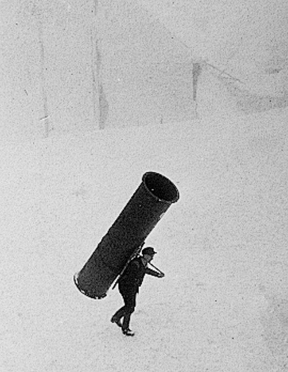 Robert Hofer, profesionální horský nosič z Velké Úpy, vynesl v březnu 1944 z Obří boudy na Sněžku 160 kg těžkou ocelovou rouru pro tamní meteorologickou stanici. Je to rekordní krkonošský výkon.
