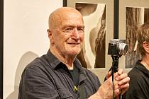 Uznávaný fotograf Bohdan Holomíček.
