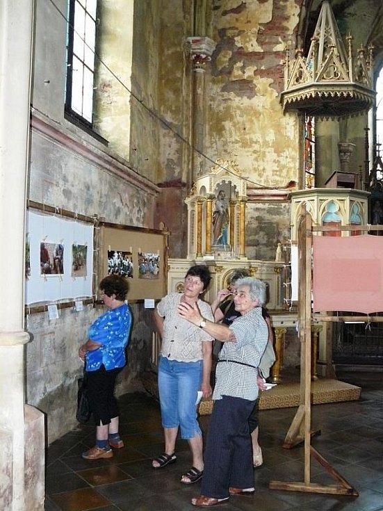 Kostele v Prosečném: výstava fotografií