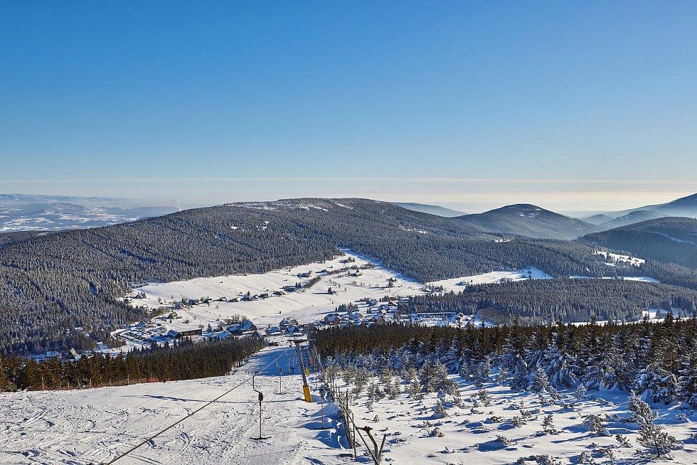 Trutnovský fotograf Miloš Šálek zachytil zimní krajinu Krkonoš v Malé Úpě.