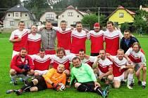 TRANSPORT TRUTNOV Okresní přebor mužů zná po sobotě své vítěze. Stali se jimi fotbalisté Jiskry Kocbeře, kteří o své nadvládě rozhodly dvěma domácími výhrami ve 28. a 29. kole.
