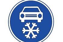 Dopravní značka: zimní výbava.