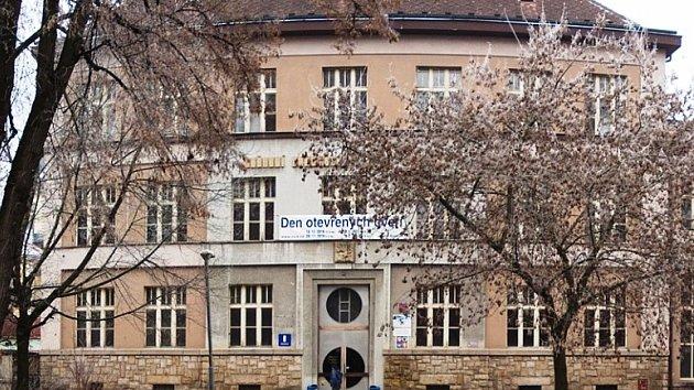 Střední škola informatiky a služeb ve Dvoře Králové