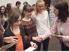 Životní příběhy pamětníků zpracovaly děti do reportáží
