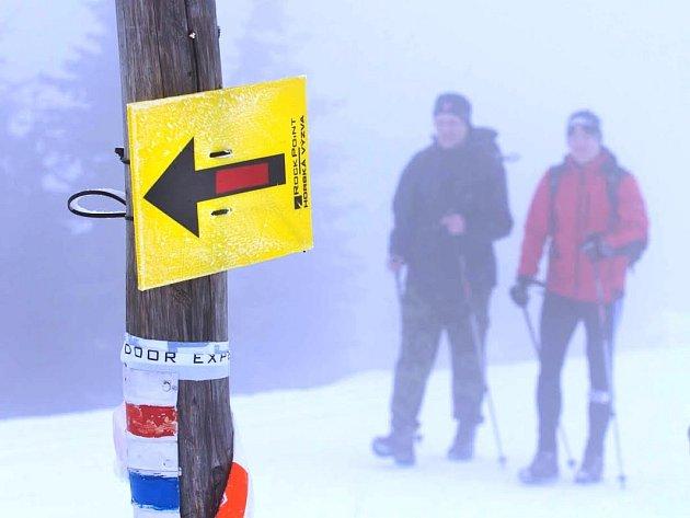 ÚČASTNÍCI PRVNÍHO ROČNÍKU nejextrémnější domácí zimní survival outdoorové akce dvojic čeká cesta z Krkonoš přes Orlické hory až do Jeseníků.