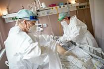 Covidová oddělení v trutnovské nemocnici zažila zlé časy především v lednu a únoru. Teď už jsou zrušená, v nemocnici není v současné době hospitalizovaný žádný pacient s covidem-19.
