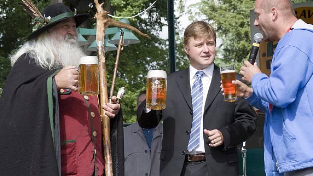 Úvodní slovo měl Krakonoš a starosta Jan Sobotka (uprostřed)