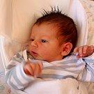 DAVID RÝDLO se narodil 15. května ve 14.10 hodin rodičům Lucii a Kamilovi. Vážil 3,29 kilogramu a měřil 49 centimetrů. Doma v Trutnově už na sourozence čeká i bráška Dominik.