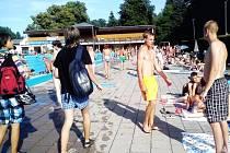 TYRŠOVO KOUPALIŠTĚ, oblíbené místo letních radovánek, slaví v sobotu 80. narozeniny zábavně sportovní akcí.