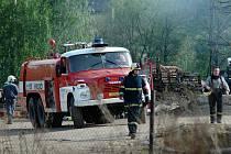 Požár skladištní haly na Bojišti v Trutnově