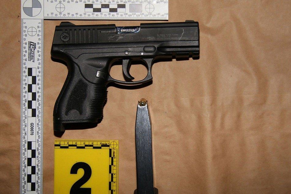 Policie dopadla pachatele dvou přepadení v Trutnově
