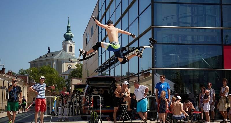 Cirk-UFF 2015: Hopsej - workshopy u Uffa