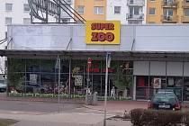 Přepadená prodejna s chovatelskými potřebami v Trutnově