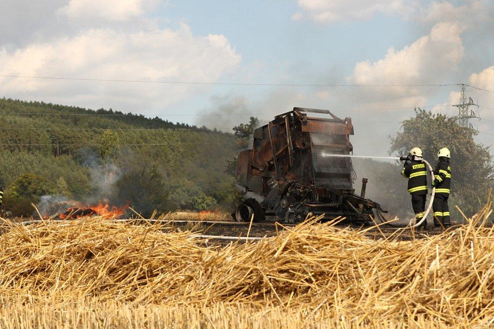 Požár zemědělské techniky v Konecchlumí.