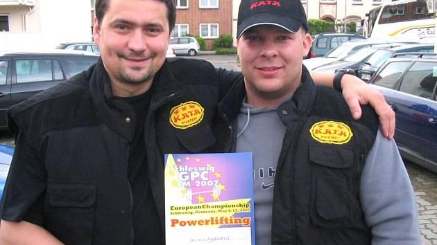 Jaromír Kratochvíl - vpravo-, s manažerem Alešem Bímanem