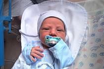 ŠTĚPÁN KOVALIK se narodil 8. července v 17.17 hodin rodičům Nadě a Lubošovi. Vážil 3,65 kg a měřil 52 cm. Spolu se sourozenci Františkou, Antonií a Matyášem bydlí v Trutnově.